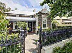 Stunning Sunday: A Bluestone Villa in South Australia Australian Garden, Australian Homes, Victorian House Plans, Victorian Homes, Colleges In Australia, Australian Architecture, Cottage Exterior, Facade House, House Exteriors