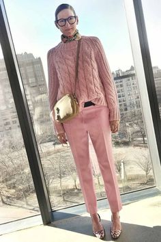 Jenna in pink! TinkY-PinkY :) - pink pants and sweater, beige bag, flower printed scarf, geometric printed shoes Garance Dore, Jenna Lyons Fashion Mode, Work Fashion, Fashion Looks, Street Fashion, Mode Outfits, Casual Outfits, Fashion Outfits, Mode Rose, Jenna Lyons