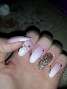 Uv almond shaped nails design