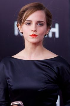 Photo of Emma Watson - Noah New York Premiere - Picture Browse more than pictures of celebrity and movie on AceShowbiz. Emma Love, Emma Watson Beautiful, Emma Watson Sexiest, Emma Watson Hair, Ema Watson, Logan Lerman, Daniel Radcliffe, Hermione Granger, Sport Tv