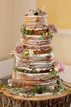 Naked cakes to chocolate creations, we take a look at the most popular wedding cake inspiration designs for this year Bolos Naked Cake, Naked Cakes, Pretty Cakes, Beautiful Cakes, Wedding Bells, Fall Wedding, Boho Wedding, Trendy Wedding, Wedding Rustic