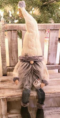 Christmas Gnome, Christmas Art, Christmas Ideas, Gnomes For Sale, Holiday Ornaments, Christmas Decorations, Sock Animals, Waldorf Dolls, Diy And Crafts