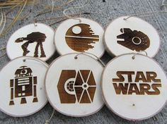 Star Wars Christmas Decorations are one inseparable the main Christmas holidays, without which Christmas would lose its color, spirit, warmth and char. Star Wars Christmas Decorations, Star Wars Christmas Tree, Christmas Mom, Christmas Crafts, Christmas Ideas, Holiday Decor, Personalised Christmas Baubles, Rustic Christmas Ornaments, Wood Ornaments