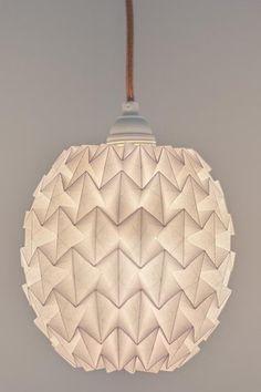 Origami-Lampenschirm (Oval) von BLUE SKY SUN HIGH auf DaWanda.com