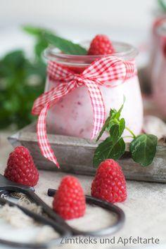 Fluffiges Himbeer-Quark-Dessert für heiße Sommertage