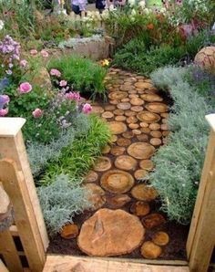 Lovely Small Front Yard Landscaping Ideas - Page 24 of 66 Stone Garden Paths, Garden Stepping Stones, Patio Stone, Small Front Yard Landscaping, Backyard Landscaping, Landscaping Ideas, Natural Landscaping, Backyard Designs, Small Patio