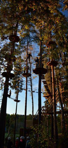 Radoilla riitti vilskettä viime hetkeen asti. #seikkailupuisto #treetopadventure #finland