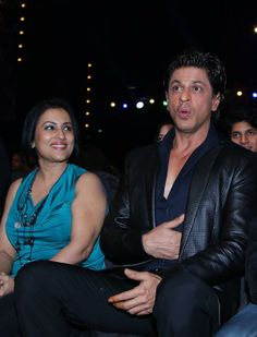 Embedded image permalink-Wow! Why so surprised King Khan? Mirchi Music Awards 2014.