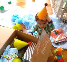 Fim de semana chegou é tempo de se divertir e quem por aí vai festejar seu aniversário????  :: :: O Arthur já está em ritmo de comemoração curtindo todos os itens que vem na nossa caixinha.  :: Já pediu a sua??? Corre em nosso site e saiba mais! Vamos adorar festejar com você!  :: #FestaInfantil #comemorecomaFestejo #FestaDeCriança #FestaDeCrianca #FestejoInBox #Maternativa #CompreDasMaes #ComemoreComoAntigamente #FlorestaDoArthur