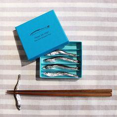 縷縷 / いりこの箸置き | 箱庭のおくりモノ