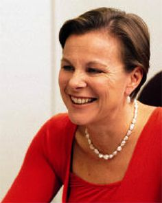 Dr Fiona Wood. Inventor of spray on skin for burn victims...brilliant woman, Australian of the year 2005