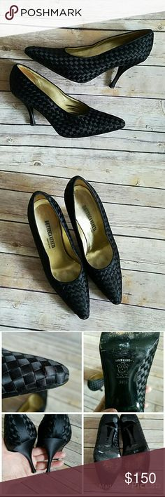 Bottega Veneta Woven Fabric Pumps SZ 9.5 Bottega Veneta woven pumps. Some wear on soles. One is the fabric strips has lifted. Could probably  be fixed with glue. SZ 9.5. Made in Italy. See photos for condition of shoes. Bottega Veneta Shoes Heels
