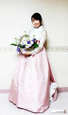 차이킴, 한복스타일의 기성복을 디자인 해 만드는 곳. 김영진 선생님의 세컨브랜드다. 김영진 선생님은 오...