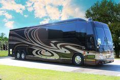 Prevost Coach, Prevost Bus, Bus Camper, Basement Movie Room, Luxury Motorhomes, Class A Rv, Luxury Bus, Hummer H2, Fun Travel