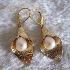 pearl earrings 89mm White Freshwater Pearl Dangle by PearlsStory