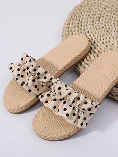 Cute Slippers, Slippers For Girls, Fancy Shoes, Me Too Shoes, High Heels For Kids, Polka Dot Shoes, Pretty Sandals, Kids Sandals, Fashion Sandals