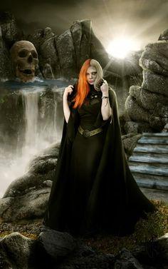 """Deusa do submundo Nórdico Hell em Inglês""""Inferno""""em português origina-se do nome dessa deusa. Na mitologia nórdica, Hel é filha de Loki e da gigante ..."""