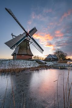 Windmill on a wintry morning (Netherlands) by Daniel Bosma on 500px