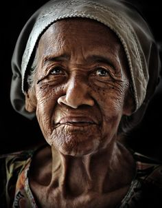 "/ Photo ""grandmother"" by abe less Old Man Portrait, Female Portrait, Beautiful Smile, Beautiful People, Foto Face, Emotional Photography, Old Faces, Best Portraits, Face Expressions"
