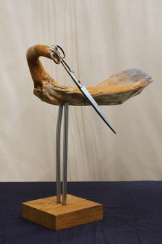 ПТИЦА МАКАЗОО - скулптура од дрвета и одбачених предмета;  SCISSO BIRD - sculpture made of wood and thrown away objects; by Ljubomir Brkic 2014