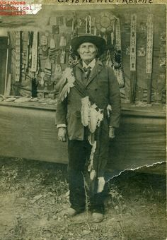 Geronimo as Cash Cow Native American Drawing, Native American Tribes, Native Americans, America And Canada, Geronimo, Native Indian, Special People, Historical Society, First Nations