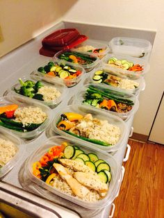 Weekly meal prepping, they says abs are made in the kitchen. My attempt at trying to be healthy and stay fit