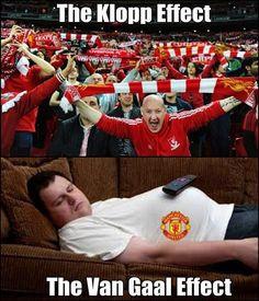 W trakcie gry drużyny Louisa van Gaala wszyscy śpią • Tak wygląda efekt Jurgena Kloppa i Louisa van Gaala • Zobacz śmieszne zdjęcie >> #football #soccer #sports #pilkanozna