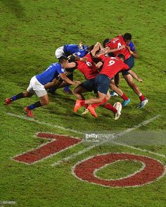 A general view of the scrum during day two of the Emirates Dubai Rugby Sevens - HSBC Sevens World Series match between Samoa and Russia on December 2, 2016 in Dubai, United Arab Emirates.