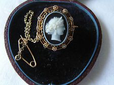 ANTIQUE VICTORIAN 18 CARAT GOLD - BANDED AGATE STONE CAMEO & PEARLS BROOCH