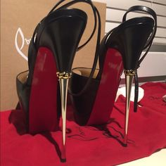 Peep Toe Platform, Peep Toe Pumps, Pumps Heels, Stiletto Heels, Stilettos, Lingerie Heels, Nylons Heels, Christian Louboutin Heels, Louboutin Shoes