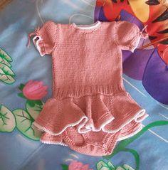 BODY VESTIDO DE HILO ROSA 12/18 MESES Material Hilo de algodón color rosa nº 5 Agujas de punto del número 3,5 Aguja de punto circu...