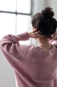 Moment's | fashion | pink sweater | messy bun | messy hair | pink | gilr in style | casual ood |