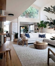 100+ Picturesque Diy Home Decor Ideas » It's no secret I love to DIY all things in our home. #homedecorideas #homedecordiy #homedecoration #homedecoradvice #homedecoraccessories #homedecorationideas #diyhomedecor #diyhomedecoronabudget #diyhomedecorideas Ikea Interior, Home Living Room, Interior Design Living Room, Living Room Designs, Living Room Lamps, Living Room Corner Decor, Interior Lighting, Apartment Living, Lighting Ideas