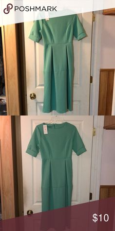 Mint green dress - XL This is one of those dresses that looked amazing on the size 0 model and looked nothing like it in real life 😅😂 I didn't even bother to post the original pic with the model because it looks nothing like it. Can't remember where I bought it from but it was from one of those sites that ship from China. It says XL but runs very small (M/L). Dresses Midi