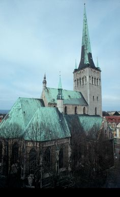 Oleviste Kirik (St. Olaf's Church), the biggest medieval building in Vana Tallinn, served as a landmark for ships heading for the harbour.  Before the 1625 fire, St Olaf's Gothic spire was reputedly the highest in the world.