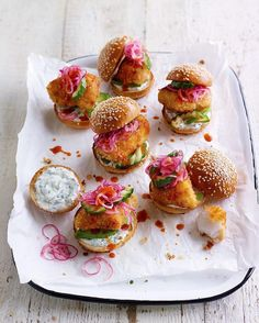 #Repost @jamiemagazine Everyone's gonna love these spiced fish sliders by @elspethmeston. Find 'em in this month's 'eat the week' section packed with easy speedy midweek recipe ideas every issue. Thanks @katewhitaker01 for the  by jamieoliver