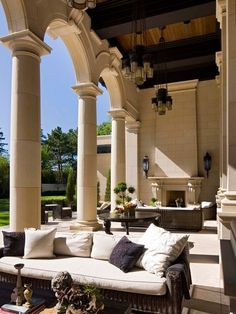 Italianate Villa, Mediterranean Patio ..... Stunning!