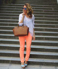 Brussels 2: Orange jeans by Mes voyages à Paris.  #SANDALIAS VENCA