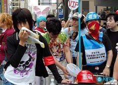 REPORTAJE OTAKU: Aficiones de un otaku  Reportaje Otaku una entrevista que vi diferentes alas otras que no era como los reportajes de siempre en las televisoras que agarran alos mas amm por decirlos asi mas aficionados ala locura en algunos casos pero la entrevista la dieron de forma divertida y con la pizca de adentrarse al mundo del anime y manga alos que les gustan las aficiones se conocen como otakus.  http://pedacitodarroz.blogspot.mx/2012/07/reportaje-otaku.html