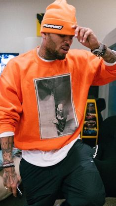 Chris Brown Art, Chris Brown Videos, Chris Brown Pictures, Chris Brown Style, Breezy Chris Brown, Chris Brown Outfits, Chris Brown Fashion, Chirs Brown, Black Men Street Fashion