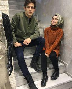 Kubradanbatuhan Cute Muslim Couples, Muslim Girls, Cute Couples Goals, Romantic Couples, Romantic Weddings, Matching Couple Outfits, Matching Couples, Modest Fashion Hijab, Muslim Fashion