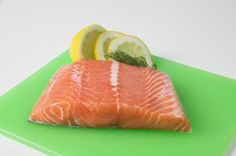 How to cook frozen salmon fillets without defrosting.