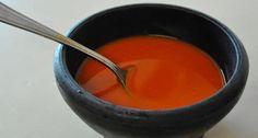 La exquisita salsa que baña a las famosas tortas ahogadas tapatías consiste en dos tipos, una de jitomate y la otra picante, para que ambas se complementen y le den un sabor inigualable al tradicional platillo jalisciense. Esta salsa también acompaña aotros platillos, como los exquisitos tacos dorados. Ingredientes para la Salsa de Jitomate: Kilo…