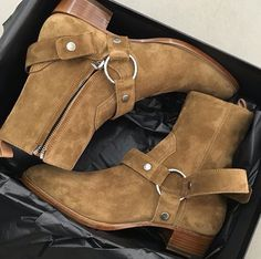 Chelsea boots YSL