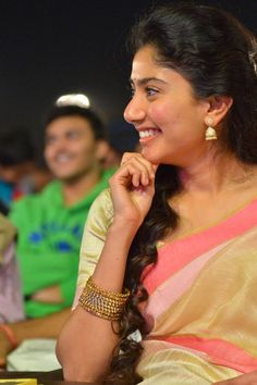 Here we present the Sai Pallavi Cute Saree Photos. Sai Pallavi is an Indian film actress who works in Malayalam, Telugu and Tamil films. Indian Actress Pics, South Indian Actress, Indian Actresses, South Actress, Beautiful Girl Indian, Most Beautiful Indian Actress, Beautiful Gorgeous, Simply Beautiful, Sai Pallavi Hd Images