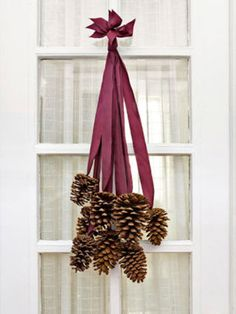21 Holiday Pine Cone Crafts - Ideas for Pinecone Christmas Decorations