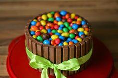 Peties Küche: Kitkat-Torte mit M&Ms