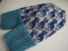Ravelry: Cat mittens 猫ミトン pattern by Mariko Mikuni (三國 万里子) Knitting Stitches, Hand Knitting, Knitting Patterns, Crochet Crafts, Knit Crochet, How To Start Knitting, Fair Isle Knitting, Knit Mittens, Winter Warmers
