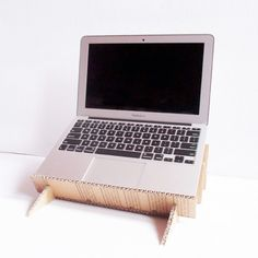 Build a Useful Laptop Stand and Organizer with @guidecentral