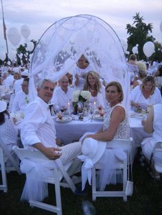 these guests went all out and have a tent for their table at Diner en Blanc Cincinnati, 2012